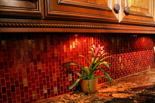 Linda's Glass Backsplash